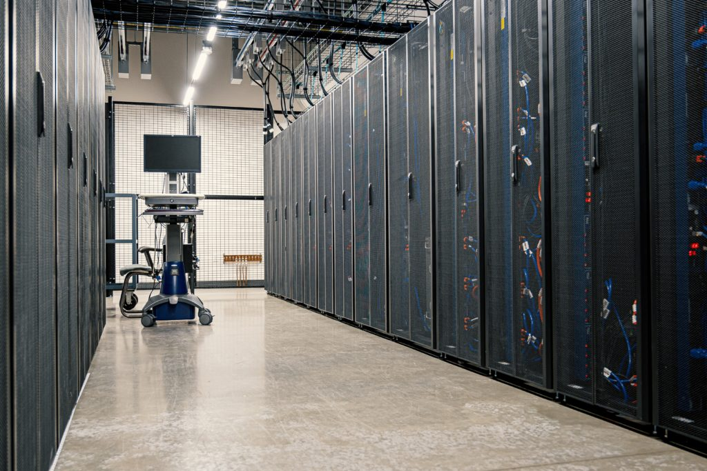 Differences Between a Shared Server vs a Dedicated Server